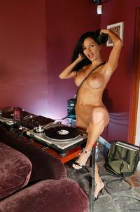Naked Dj Lucia Tovar