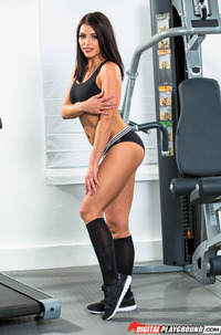 Hairy Beauty Luna Star In Gym