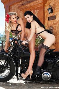 Bikers Stefanie Knight & Khloe Terae
