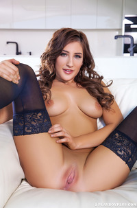Amazing Beauty Dacia Maria In Stockings