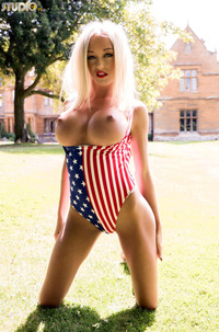 Breathtaking USA Babe KerrieLee