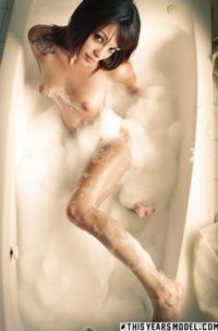 Glamour Ashley Doll Gets Wet In Bath