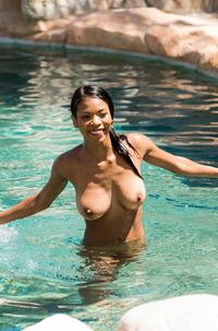 Ebony Busty Girl Nia Nacci Sucking Dick In Pool