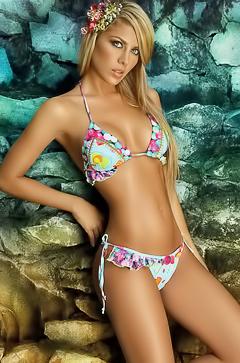 Lina Posada Celeb Bikini