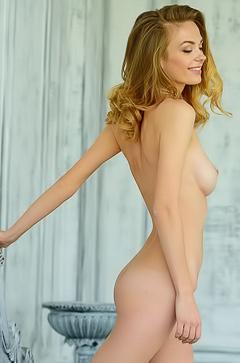 Naked skinny Lena