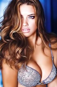 Naked celeb Adriana Lima