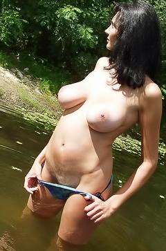 Amateur Arina in bikini