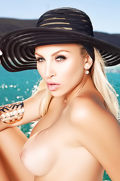 Khloe Terae - blue sea