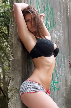 Emma Twigg - natural tits