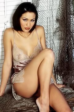 Nude Lola Corwin