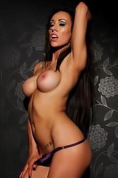 Tanned pornstar Lauren Rosario