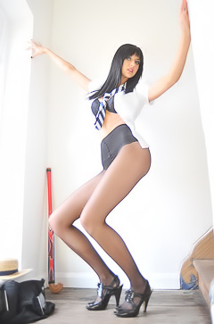 Skinny long legged Natalie Thomas