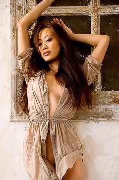 Asian super model Sabrina Davi