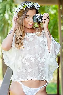 Monique Helena - most charming photographer