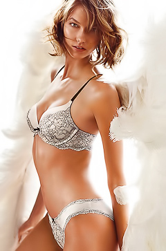 Karlie Kloss - absolutely amazing model