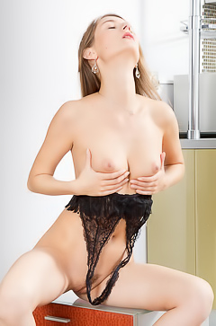 Hottie Melody Mae on the kitchen