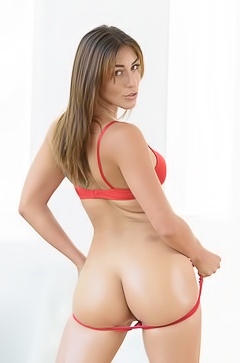 Sweet Booty Of Rilynn Rae