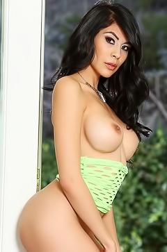 Heather Vahn - sexy boobed babe