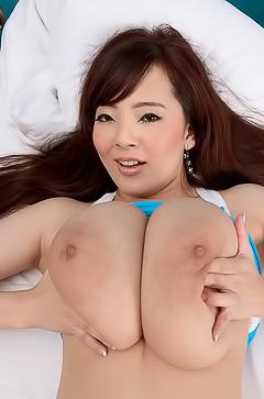 Big boobed asian Hitomi