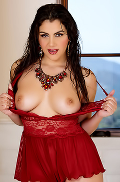 Beautiful and lush Valentina Nappi