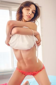Adel Morel - home striptease