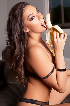 Kelsi Shay - Banana Fun