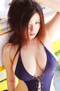 Glamour busty asian