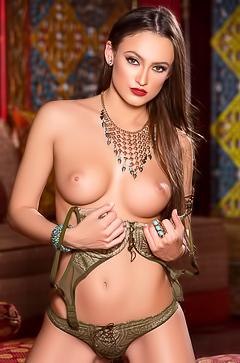 Milf playmate Deanna Greene