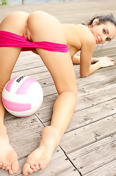 Sapphira Loves Playing Volleyball Nude