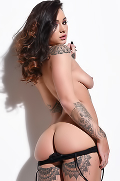Mica Martinez - glamour tattoo
