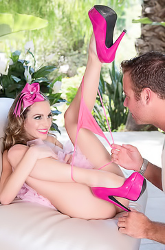 Beautiful Kimmy Granger Is Fucking