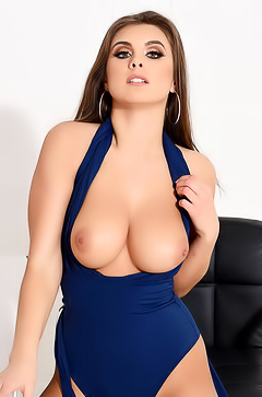 Sarah and her big tits