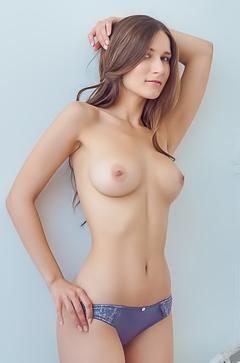 Sweet naked girl Elina