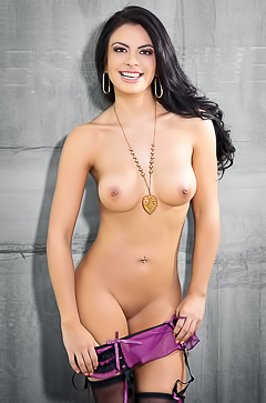 Playmate Of The Year 2013 Vanessa Navarrate