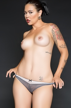 Dana Vespoli in erotic photoshoot