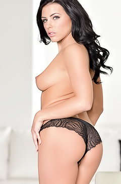 Adriana Chechik and her amazing body