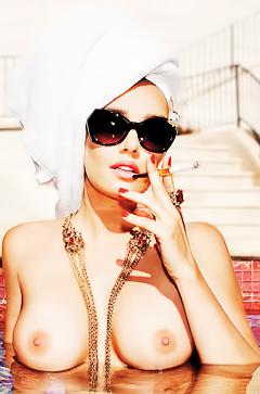 Topless Tamara Ecclestone