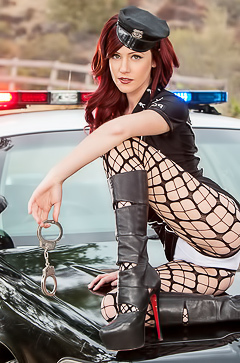 Cop Elle Alexandra in fishnet