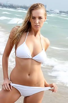 Hayley Marie stripping on beach