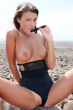 Maria pleasuring her small pussy