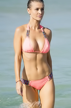 Joanna Krupa in sexy pink bikini