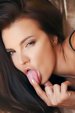 Feglie tasting her pussy