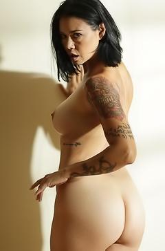 Hot Dana Vespoli is getting naked