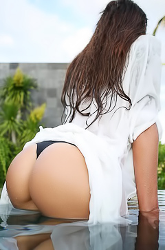 Dream booty babe