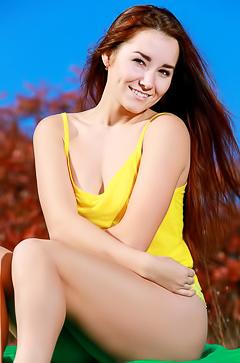 Sunny girl Stefany Sonri