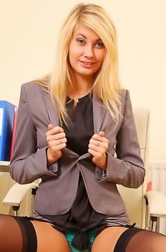 Youg blond secretary Barka