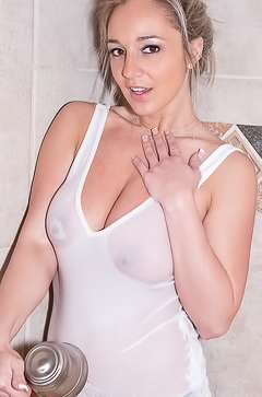 Hot shower with Nikki Sims