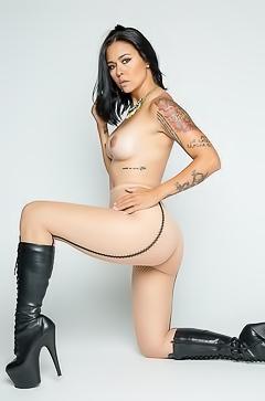 Studio casting for tattooed girl