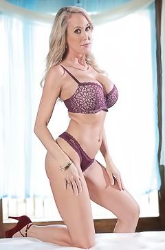Brandi Love shows sexy boobs