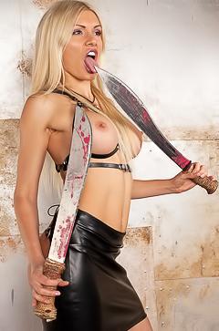 Nasty blond Kitana Lure